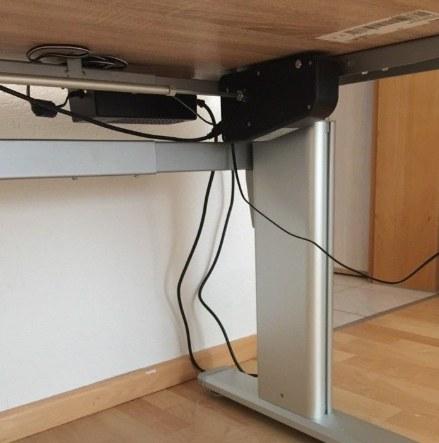 elektrischer höhenverstellbarer Schreibtisch